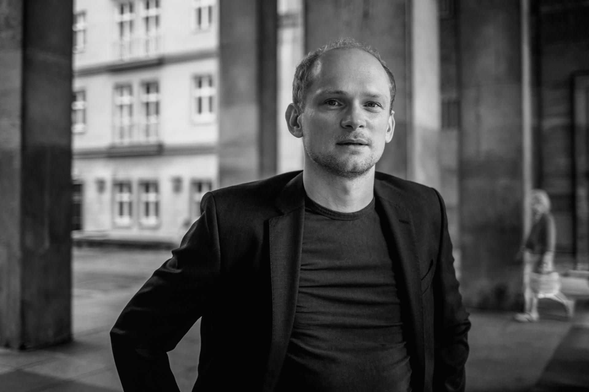 Bernhard-Conrad_IMG_9647sw_Carolin-Weinkopf